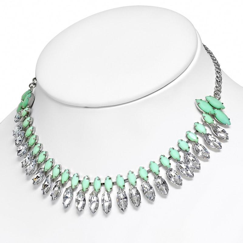 Výrazný náhrdelník