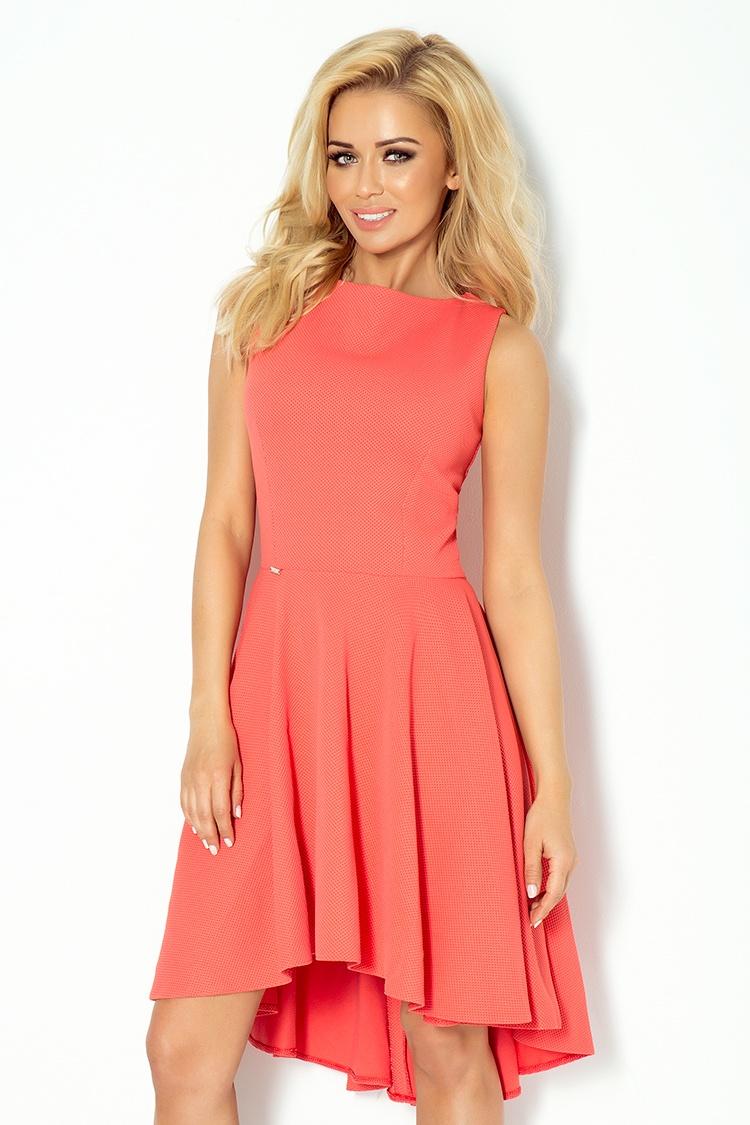 Dámské šaty v korálové barvě