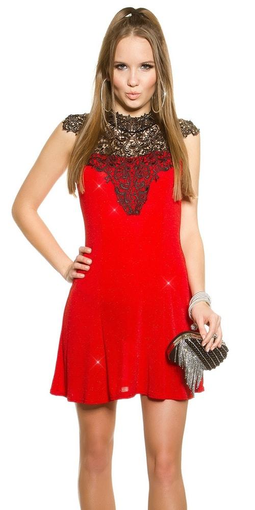 cc29f3b8f345 Vyberáme šaty do tanečnej pre tento rok - vasa-moda.sk