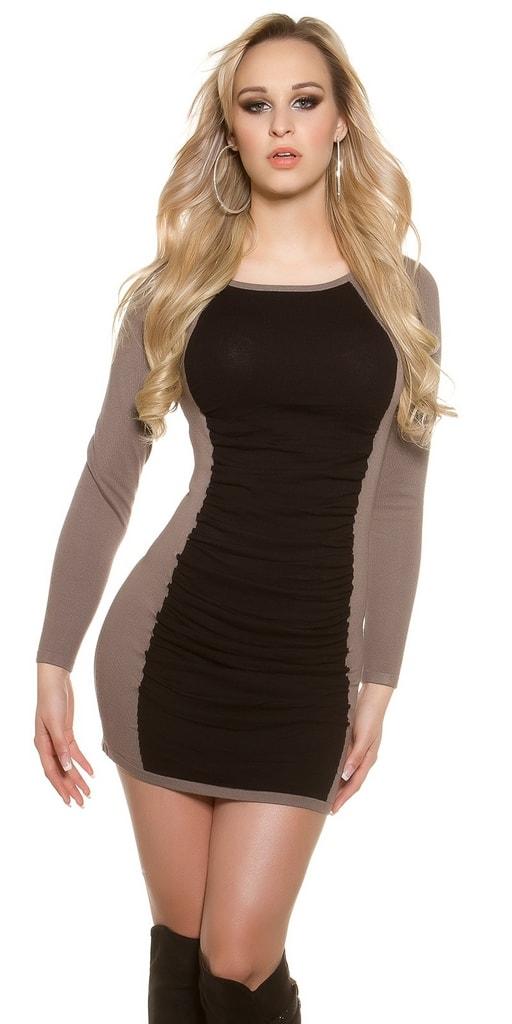 Koucla Moderní úpletové šaty