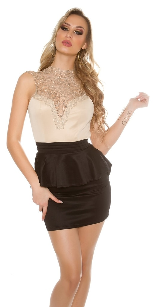 Koucla Krátké krajkové šaty