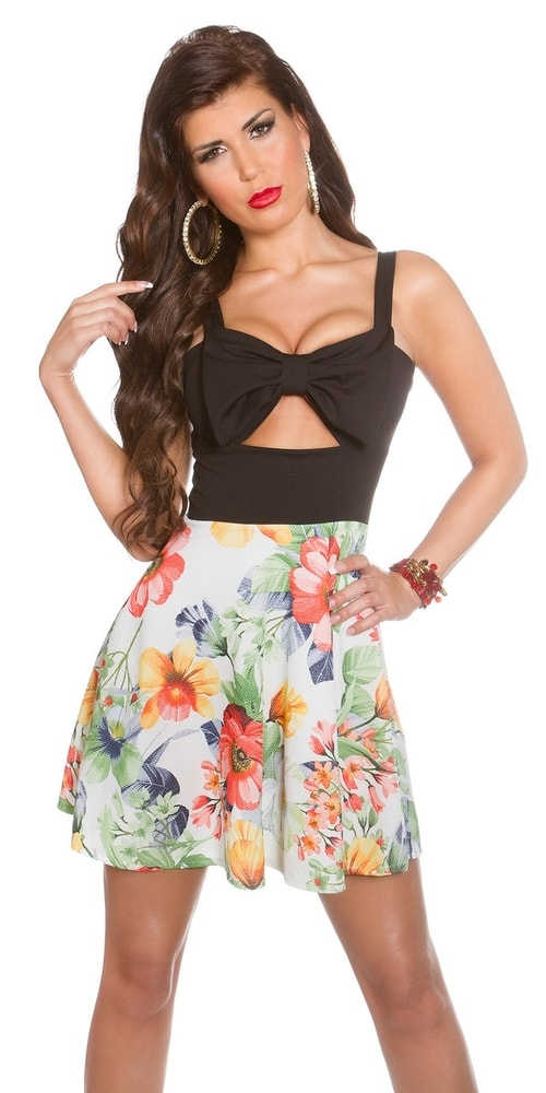 Letné kvetované šaty - čierne - Koucla - Krátke letné šaty - vasa-moda.sk eea026b078d