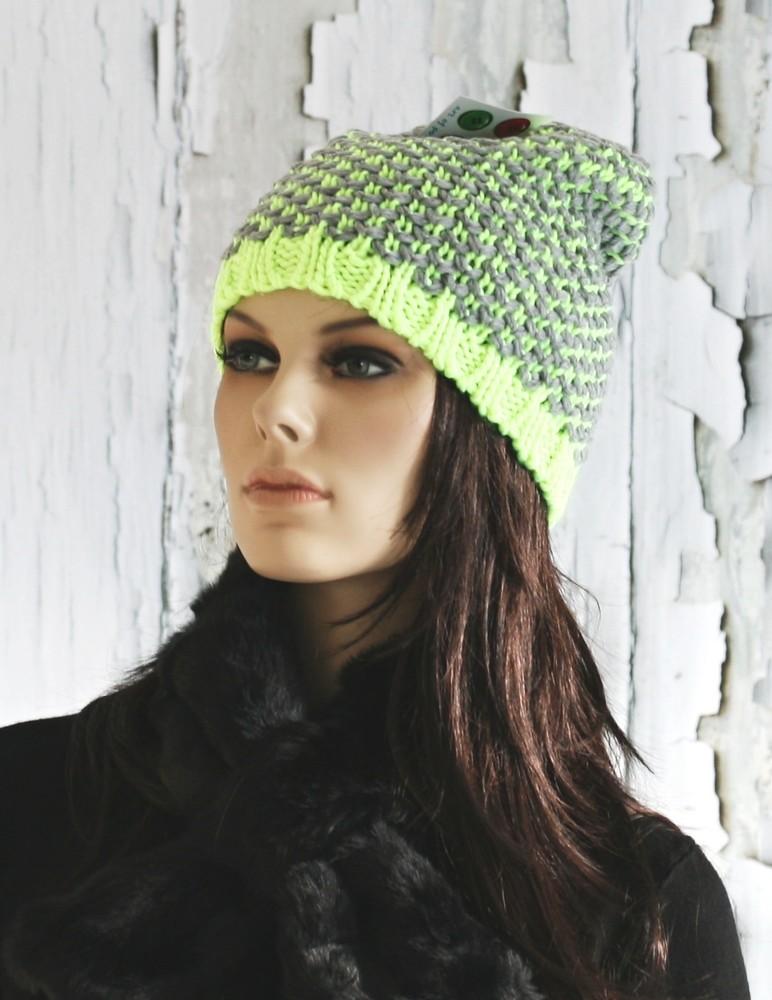 Zimní pletená čepice - zelená neon - EU - Dámské čepice - i-moda.cz b98f97e6cee