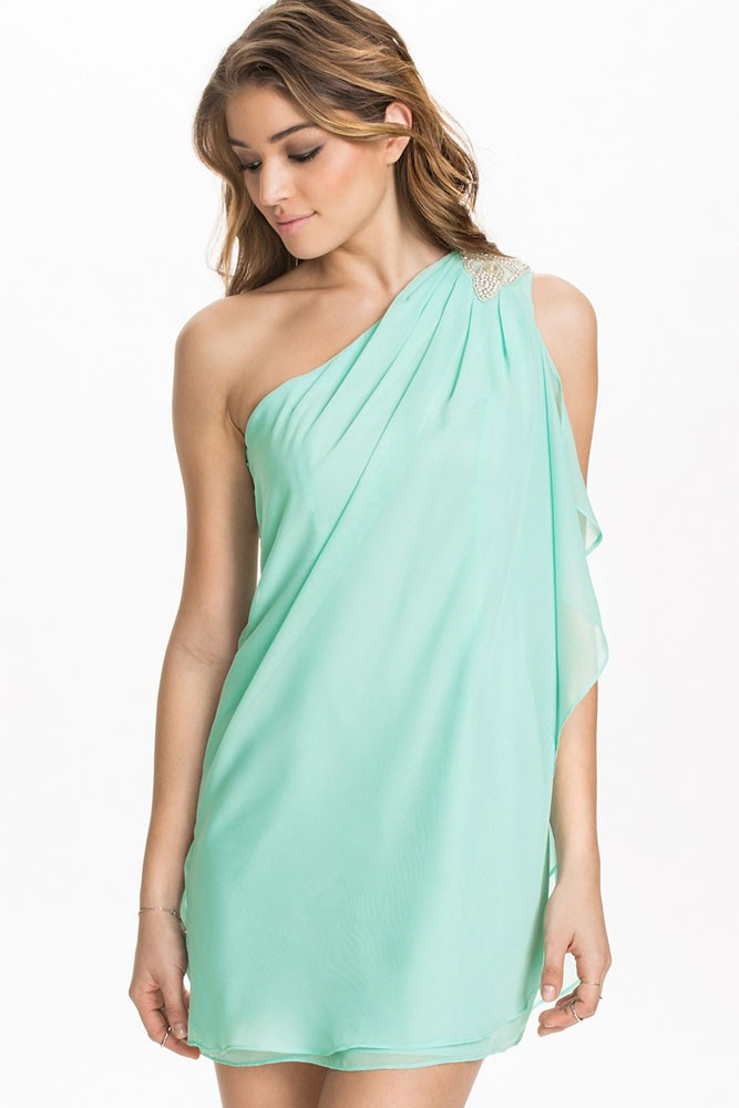 Letné šaty na jedno rameno - DAMSON - Večerné šaty a koktejlové ... 55eec0d45f