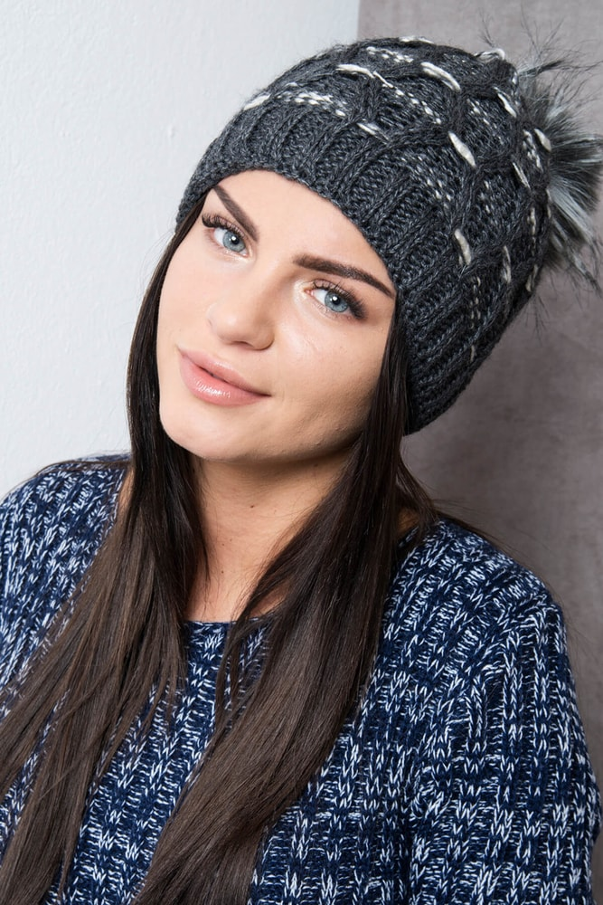 7cba55482 Seda zimna pletena ciapky | Stojizato.sme.sk